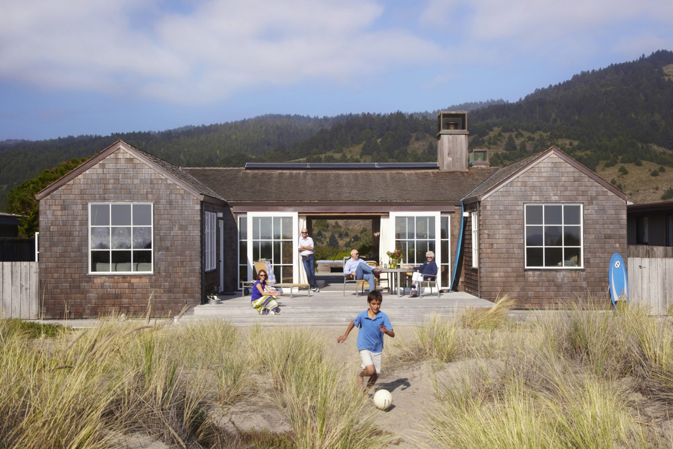 Located on the hill in Stinson Beach Village within 5